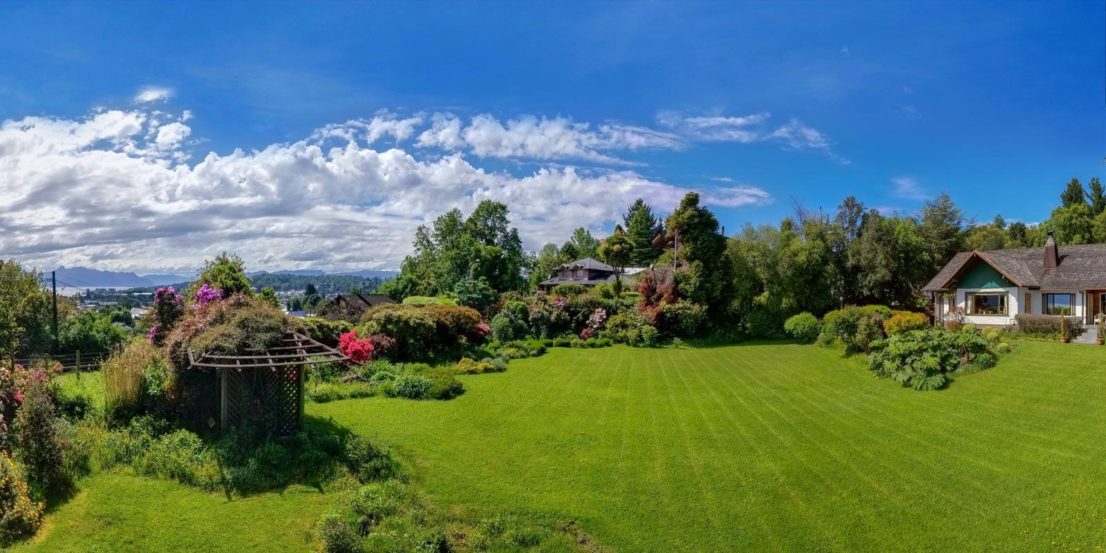 hosteria de la colina yard view